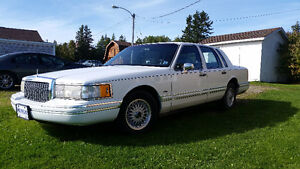 1993 Lincoln Town Car - Reduced Price -