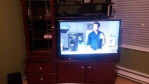 Meuble télé avec 2 petites tables....