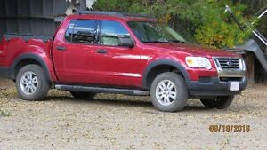 REDUCED 2007 Ford Explorer Sport Trac XLT Pickup Truck
