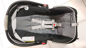 Graco Click Connect snugride 35 carseat with base