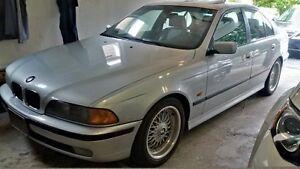 2000 BMW 5-Series 528i Sedan