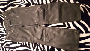 WOMEN'S FIRST GEAR LEATHER RIDING PANTS SIZE LARGE