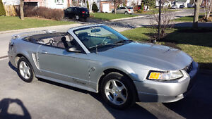 2004 Ford Mustang 40 ième anniversaire Cabriolet