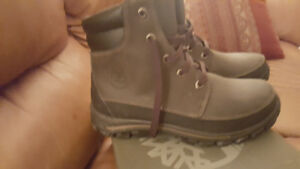 Timberland leather boots size 3 youth used 3 times. Almost new