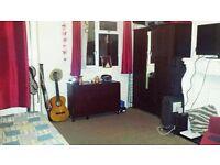 BIG Double Room in Whitechapel, Brick Lane, Tower Hill, Aldgate, E1