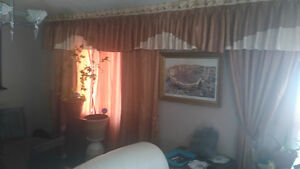 window curtains  fit 2 big window  for sale London Ontario image 1
