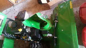 JOHN DEER SNOWBLOWER | LIKE NEW!