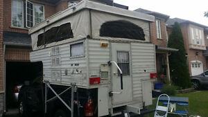Excellent condition 6.5' electric pop up truck camper