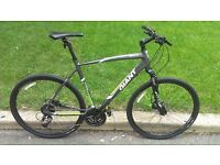GIANT ROAM 2 2015 HYDROLIC BRAKES MINT CONDITION £349.99 OPEN TO OFFERS