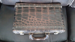WOOD 1960S ALLIG. OR CROC. CVR. CLARINET CASE