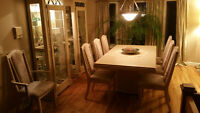 Oak dining table +2 Curio glass cabinets