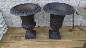 CAST IRON FLOWER POTS    (POT ON LEFT SOLD)
