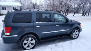 2007 Chrysler Aspen Limited AWD with new winter tires
