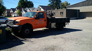 2000 Ford F-550 Pickup Truck with Crane