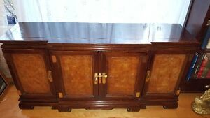 Spectacular large Oriental China Cabinet Buffet + Hutch West Island Greater Montréal image 3