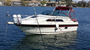 1988 250 magnum Full Load thundercraft cabin cruiser