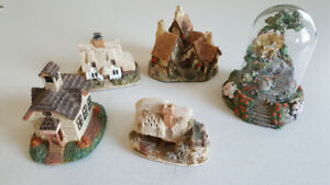 4 Lilliput Lane Collectibles plus 1  Violet Schwenig