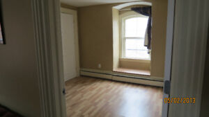 BEAUTIFUL LARGE 3 BEDROOM APARTMENT SOUTH END CENTRAL HALIFAX