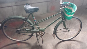 Velo bicyclette de ville vintage antique CCM Encore