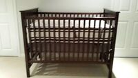 BABY CRIB with  MATTRESS AND BEDDING (included)