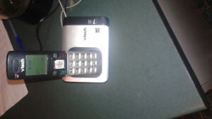 CORDLESS PHONE WITH CHARGER