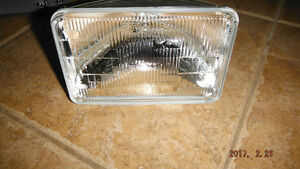 NEW 4 WAY LOW BEAM HEADLiGHTS 20 PCS. FOR SALE NEW