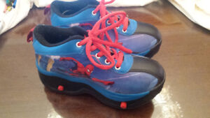 Kids rolling shoes - size 5