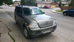 2002 Ford Explorer Limited - V-8  Engine (4 door)