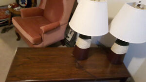 Coffee table and 2 lamps