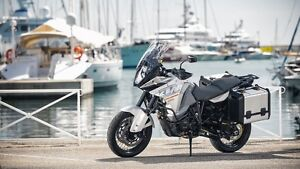 LOOKING FOR KTM 1290 SUPER ADVENTURE
