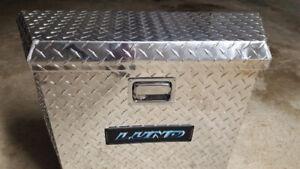 "Lund / Trademan  21"" Aluminum Trailer Tongue Truck Box with Keys"