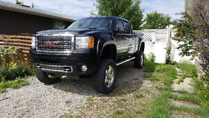 2011 GMC Sierra 2500 Denali Pickup Truck - Lifted 6 inches