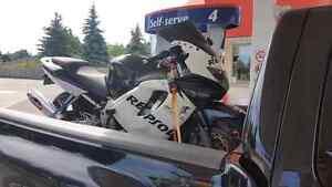 1999 Honda CBR 600 F4i AND 2000 Honda XR250R TRADE FOR DIRTBIKE