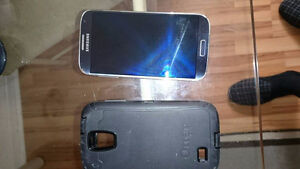 Samsung S4 for sale with Telus with outer box ....