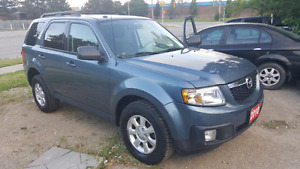 2010 Mazda Tribute  Touring SUV, Crossover Accident free