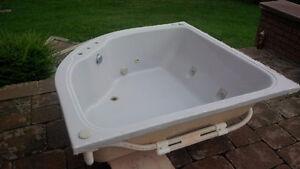Tomlin Whirlpool Bath