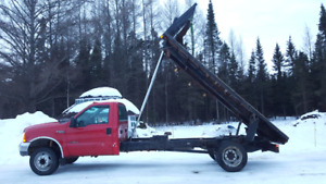 Ford f-550 plate-forme dompeur