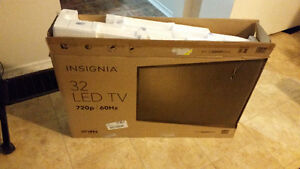 """new condition 32"""" led tv"""