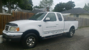2002 F-150 4x4 5.4L XLT 7700 package!
