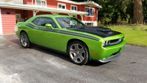 Limited 2011 Dodge Challenger R/T Classic