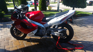 Rare find 1996 YZF 1000 mint condition call 905 807-4422