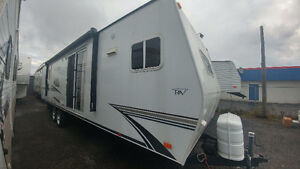 2009 Fleetwood parkmodel two slide outs !easy financing!