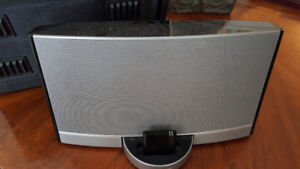 Bose Sound Dock with Bluetooth Dongle and Carry  Case
