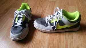 Men's grey & yellow Nike runners - size 7