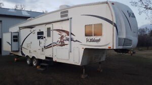 2009 Wildcat 32QBBS Fifth Wheel (PRICE LOWERED!)