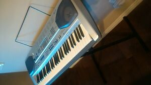 Casio Keyboard stand and microphone