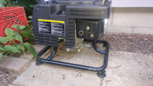 Month old, Gas washer 2350 psi, works awesome