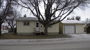 3 Bedroom Bungalow for sale in Forest Grove