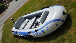 Excursion 5 inflatable boat with trolling motor and mount