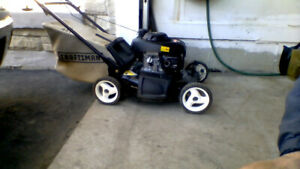 lawnmower with honda engine  for sale